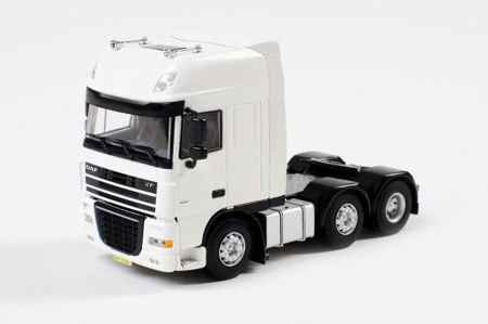 DAF XF 105 Super Space Cab 6x2 (арт.03-1027)